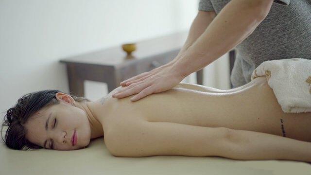 Порно на массаже фото